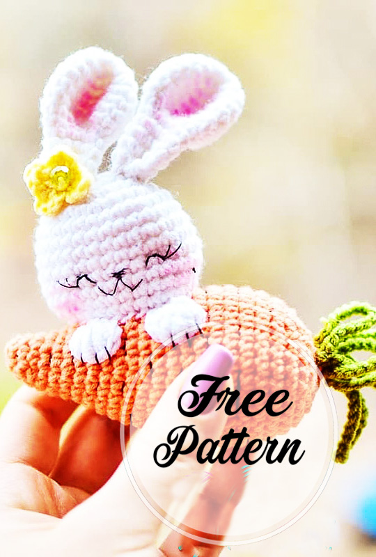 lapin-etreint-carotte-amigurumi-modele-de-crochet-gratuit